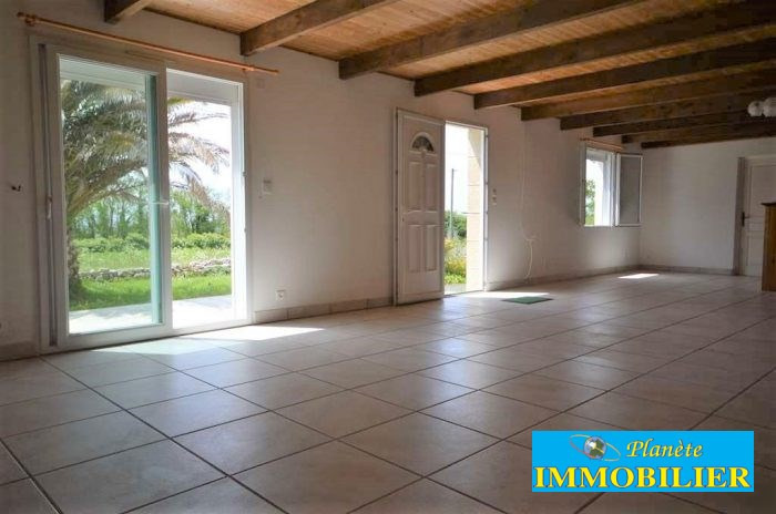Sale house / villa Plouhinec 218 820€ - Picture 4