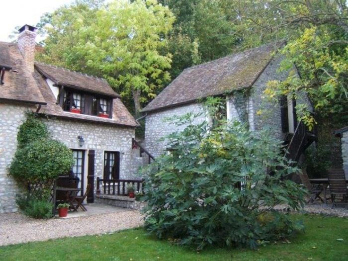 Sale house / villa Breuilpont 380000€ - Picture 1