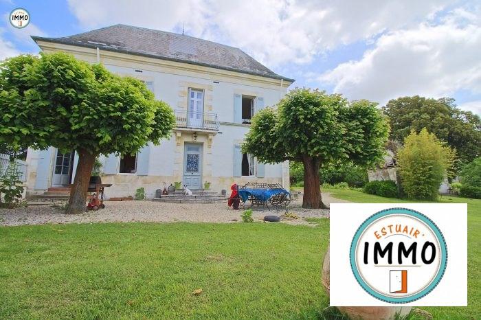 Deluxe sale house / villa Mortagne sur gironde 598900€ - Picture 1