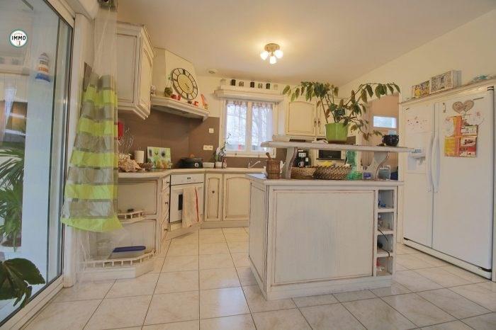 Sale house / villa Saint-ciers-du-taillon 223860€ - Picture 6