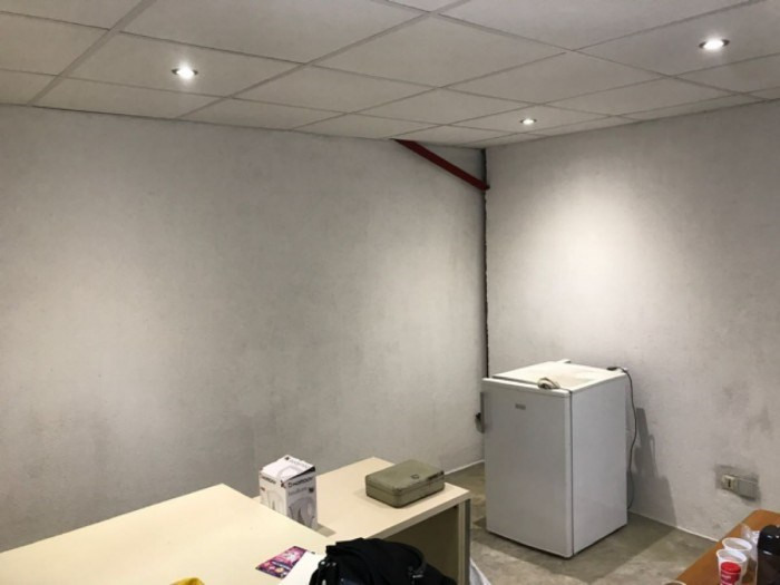 Location local commercial Guéreins 1600€ +CH - Photo 3