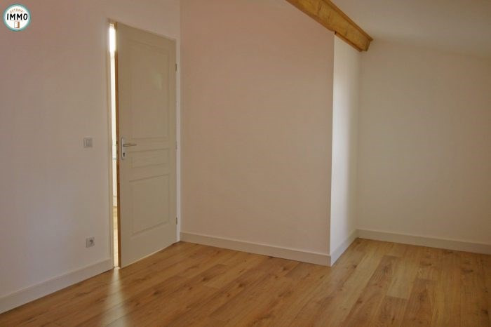 Rental house / villa Saint-sorlin-de-cônac 490€ CC - Picture 6