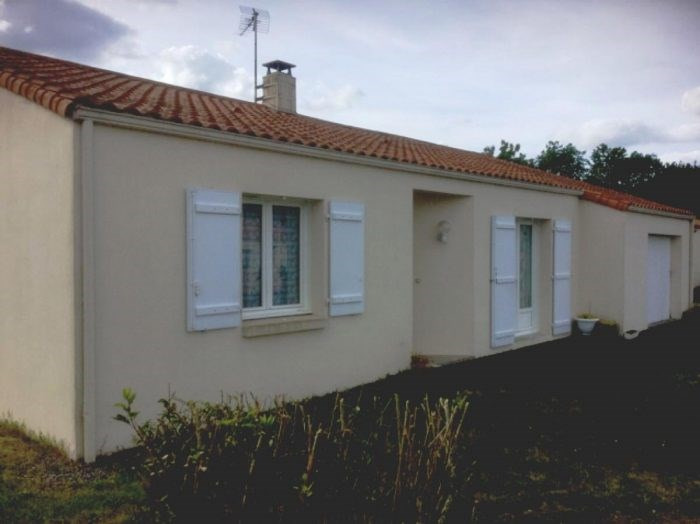 Sale house / villa La bernardiere 168400€ - Picture 1