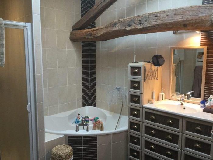 Sale house / villa Saint-andré-goule-d'oie 239400€ - Picture 5