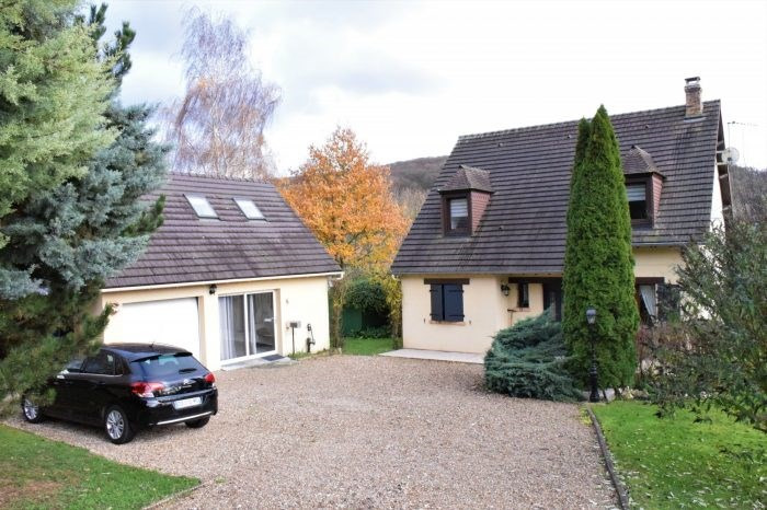 Sale house / villa Notre-dame-de-l'isle 312500€ - Picture 1