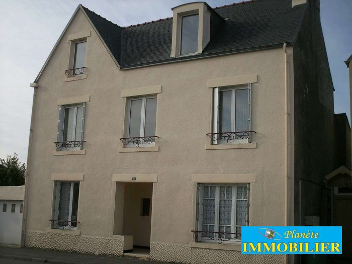 Sale house / villa Plozevet 141 210€ - Picture 1