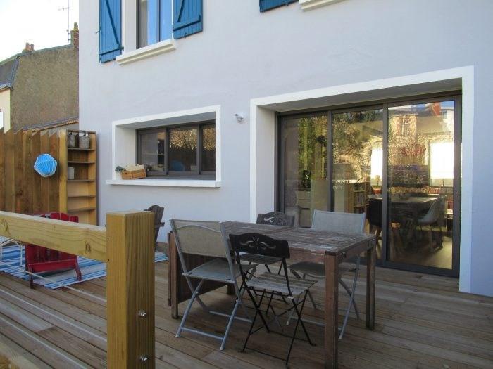 Deluxe sale house / villa La roche sur yon 352200€ - Picture 1