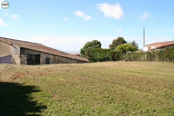 Vente terrain Mortagne-sur-gironde 44 000€ - Photo 1