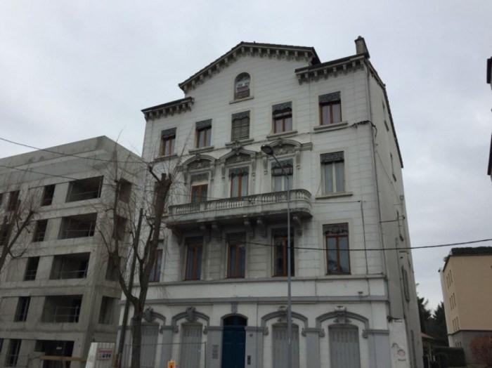 Location appartement Villefranche-sur-saône 410€ CC - Photo 1