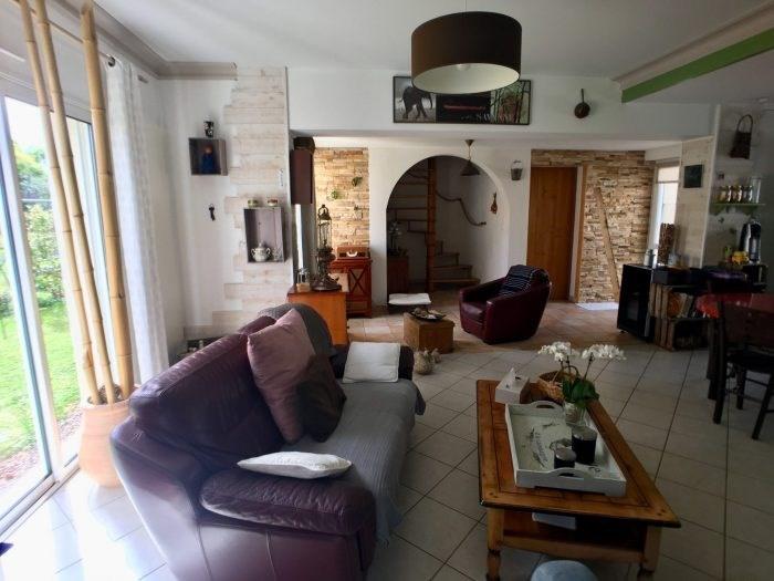 Sale house / villa La guyonnière 259900€ - Picture 1