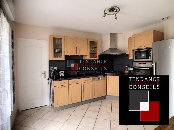 Sale house / villa Attignat 249600€ - Picture 4