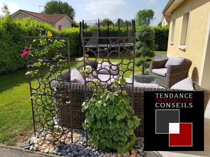 Sale house / villa Attignat 249600€ - Picture 9