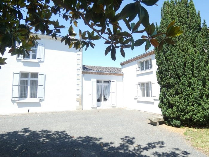 Sale house / villa Le landreau 299490€ - Picture 4