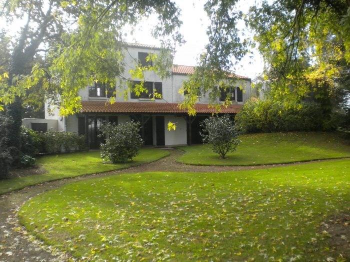 Deluxe sale house / villa Les brouzils 399900€ - Picture 2