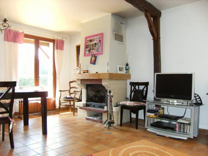 Sale house / villa Pressagny-l'orgueilleux 218000€ - Picture 2