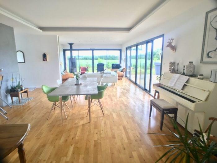 Deluxe sale house / villa Montaigu 346000€ - Picture 1