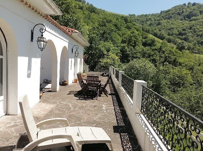 Sale house / villa St jean pied de port 220 000€ - Picture 2