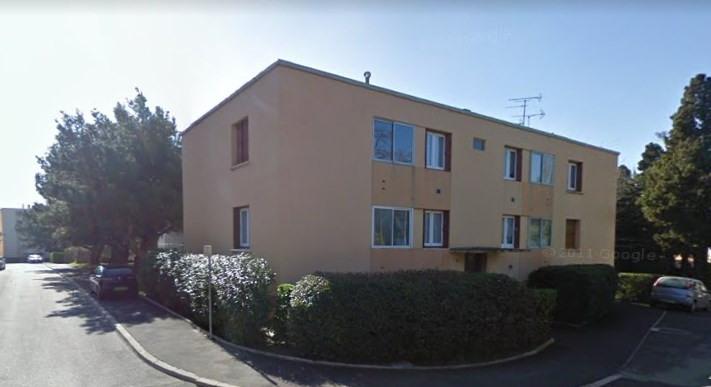 Sale apartment Salon de provence 136500€ - Picture 1