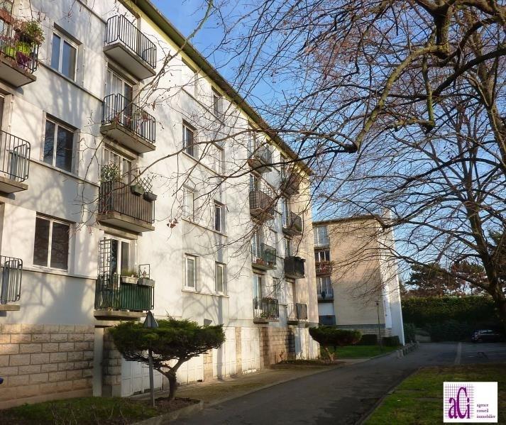 Sale apartment L hay les roses 265000€ - Picture 1