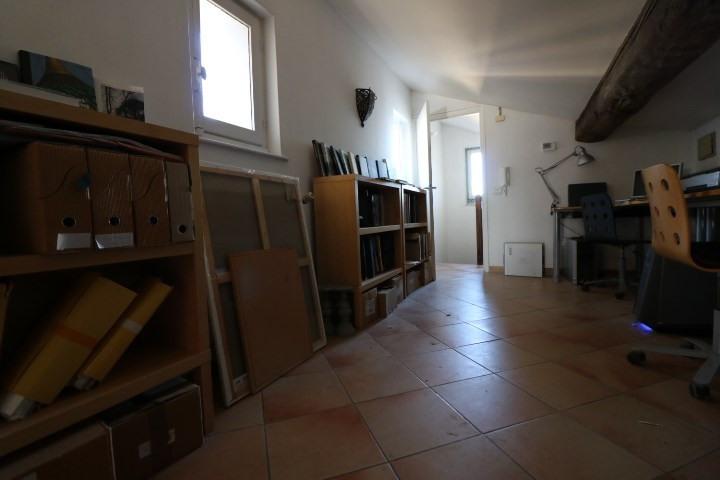 Vente appartement Arles 240000€ - Photo 9