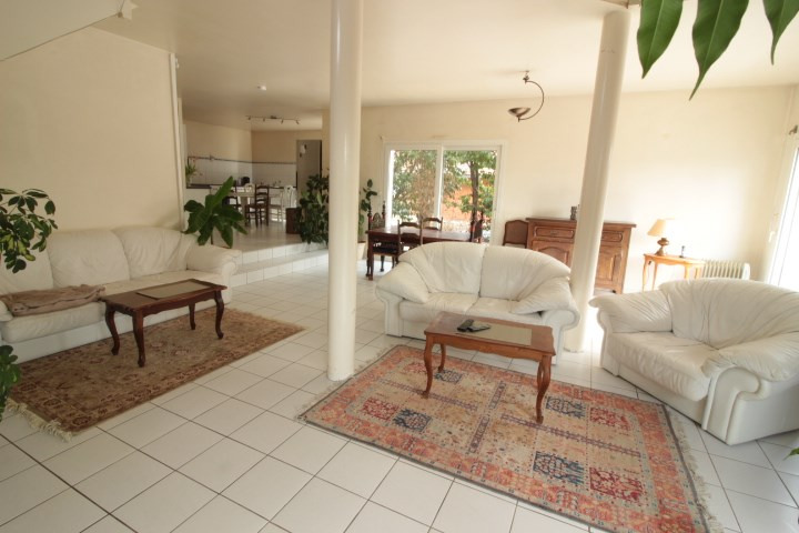 Deluxe sale house / villa Prevessin moens 635000€ - Picture 1