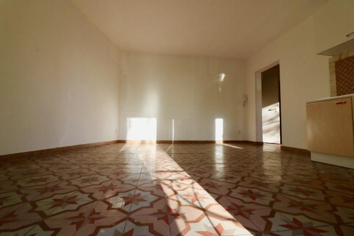 Sale apartment Arles 95 000€ - Picture 3