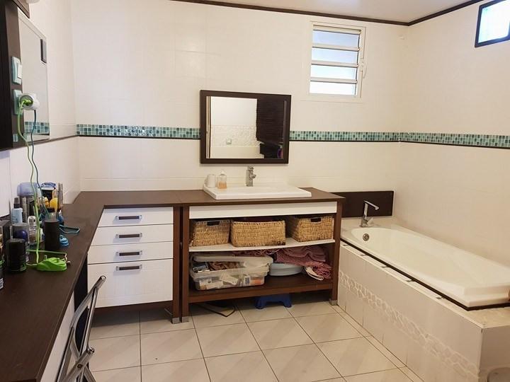 Sale house / villa Ste suzanne 249000€ - Picture 7
