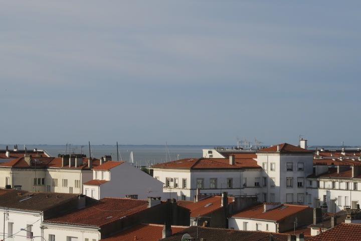 Sale apartment Royan 336 000€ - Picture 1