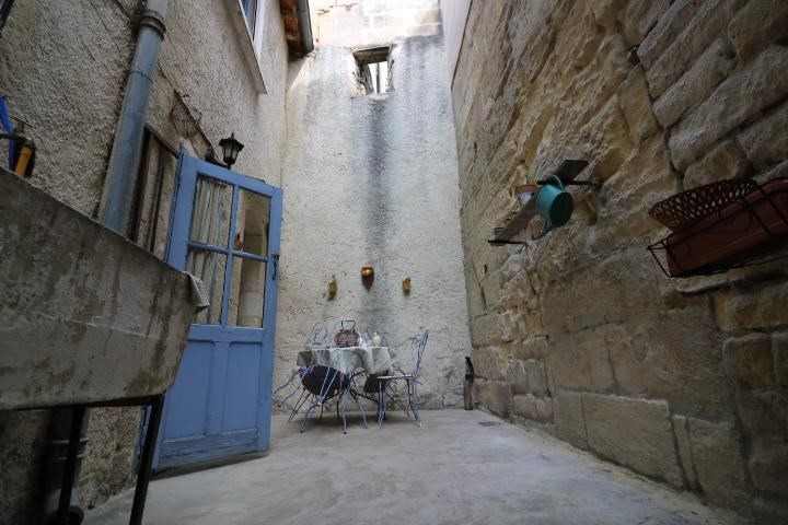 Vendita casa Arles 275000€ - Fotografia 7