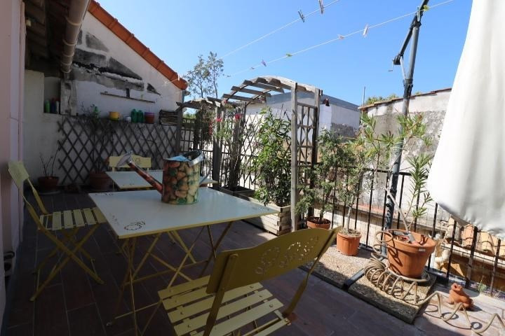 Sale apartment Arles 255 000€ - Picture 1