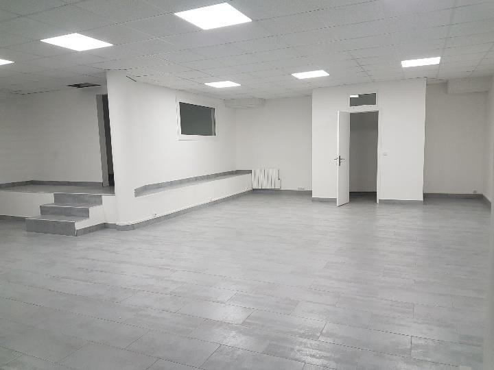 Location local commercial Romainville 1400€ HT/HC - Photo 4