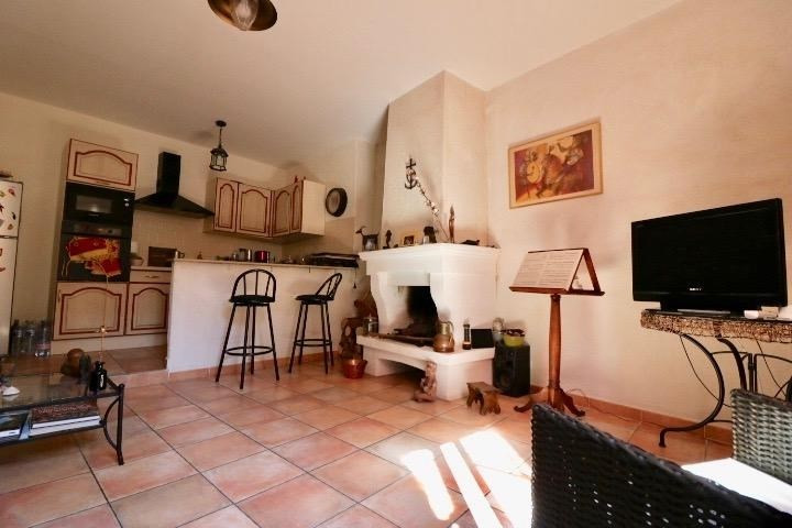 Sale apartment Arles 255 000€ - Picture 3