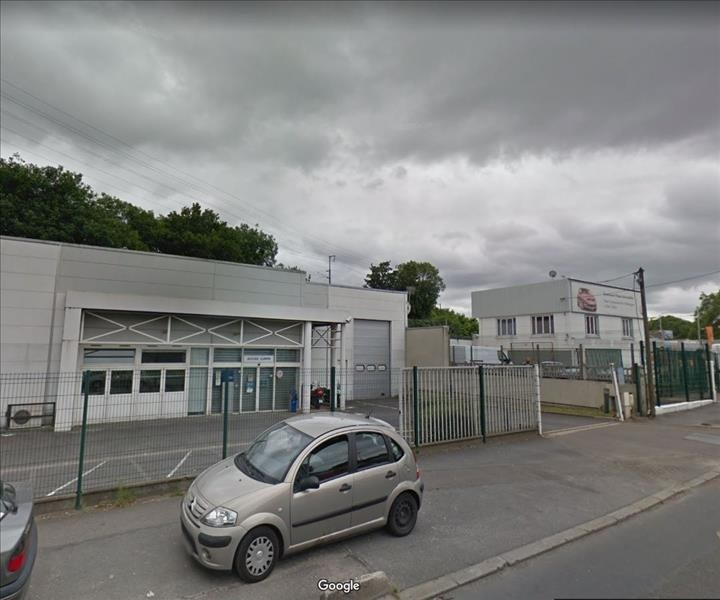 Location local commercial St denis 15 042€ HT/HC - Photo 2