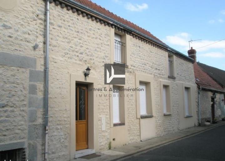 Sale house / villa Voves 137150€ - Picture 1