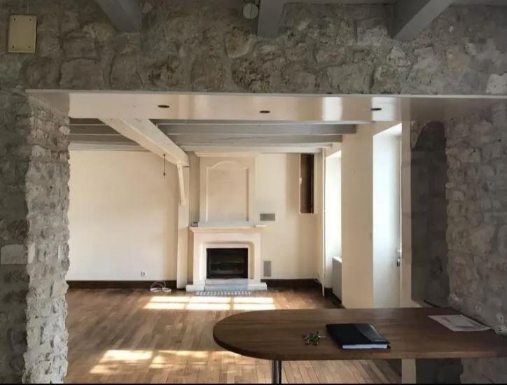 Location maison / villa Nouaille maupertuis 690€ CC - Photo 2