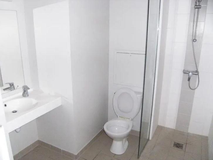 Location appartement Chasseneuil du poitou 430€ CC - Photo 5