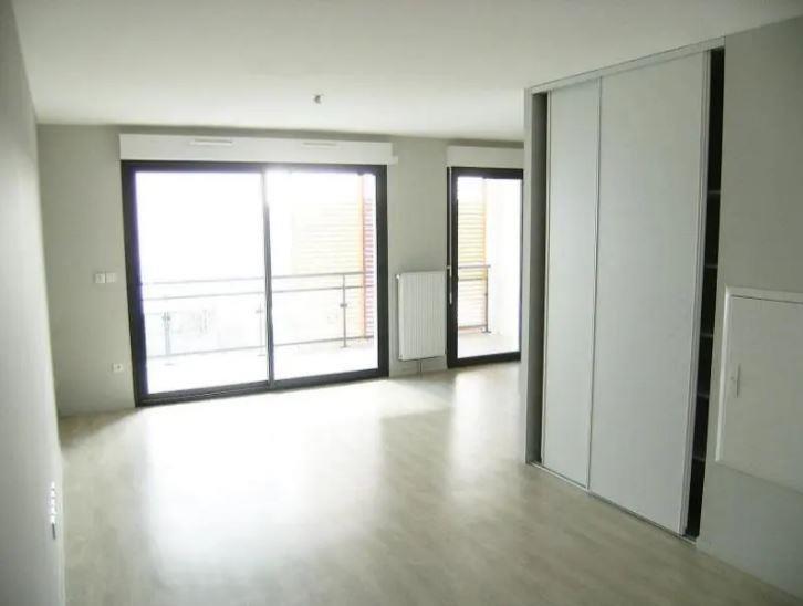 Location appartement Chasseneuil du poitou 430€ CC - Photo 3