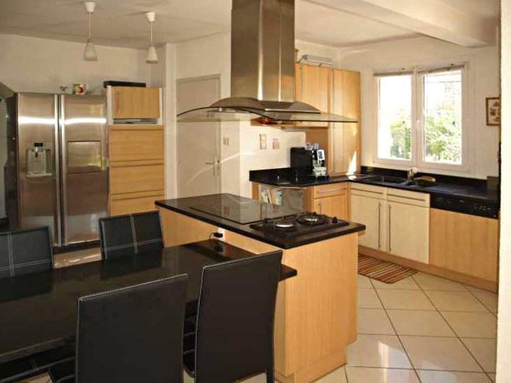 Sale house / villa Laroque des alberes 395000€ - Picture 5