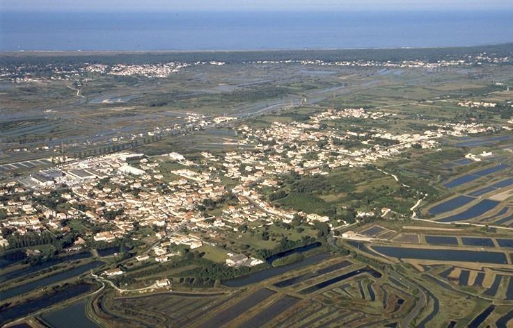 Terrain non constructible le château d oleron - 377 m²