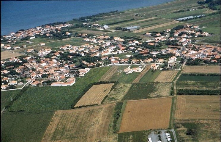 Terrain a bâtir st denis d oleron - 1221 m²