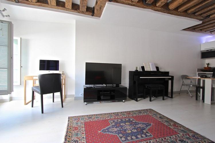 Sale apartment Paris 1er 435000€ - Picture 3