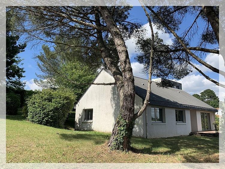 Sale house / villa Oudon 366800€ - Picture 1