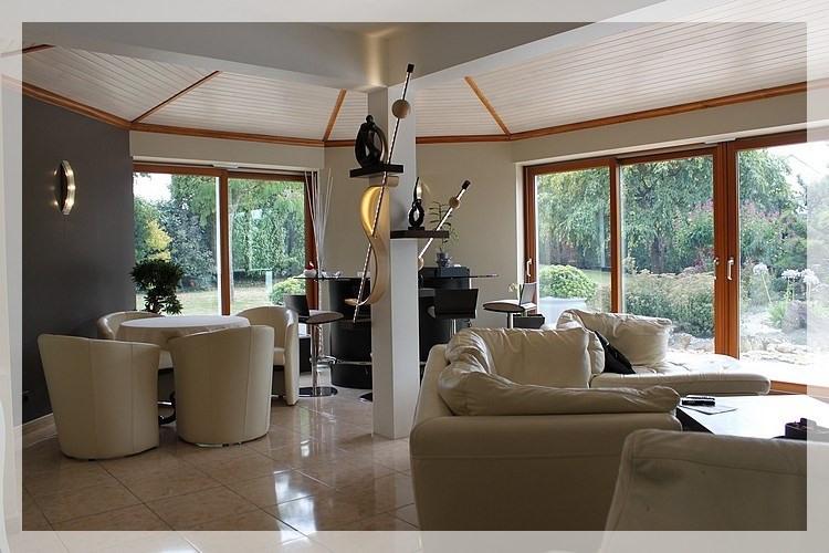 Sale house / villa Saint gereon 483000€ - Picture 1