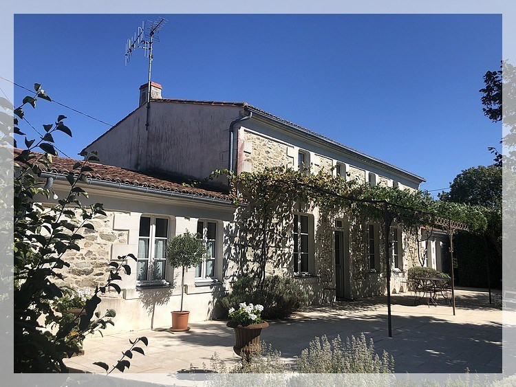 Deluxe sale house / villa Liré 410 000€ - Picture 9