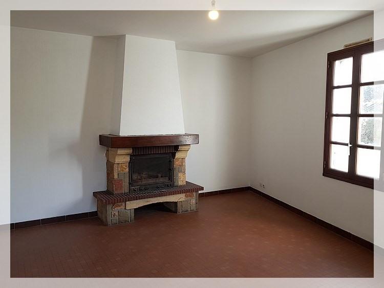 Location maison / villa Le fuilet 550€ CC - Photo 2