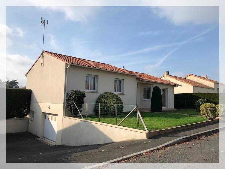 Location maison / villa Saint pierre montlimart 670€ CC - Photo 1