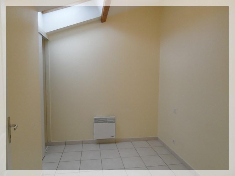 Rental apartment Saint-christophe-la-couperie 320€ CC - Picture 4