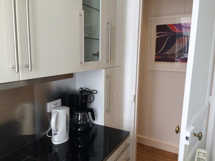 Location appartement Paris 17ème 2700€ CC - Photo 10