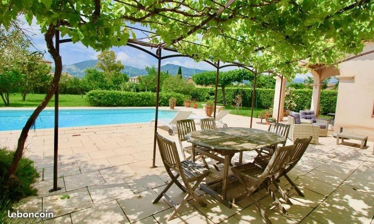 Deluxe sale house / villa Sollies pont 748 000€ - Picture 2