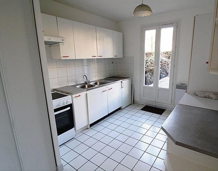 Location appartement Montigny le bretonneux 943€ CC - Photo 4